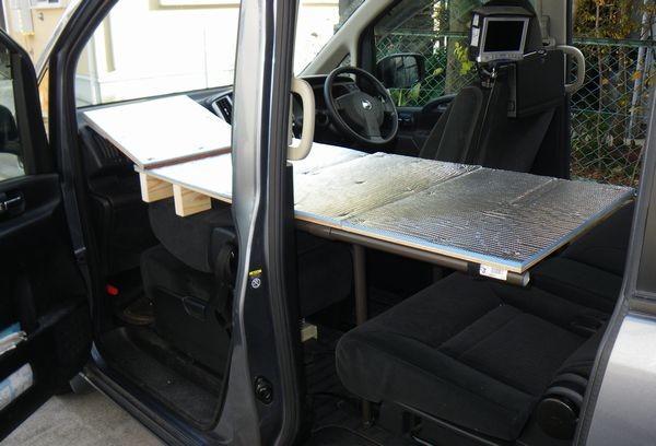 車中泊 助手席