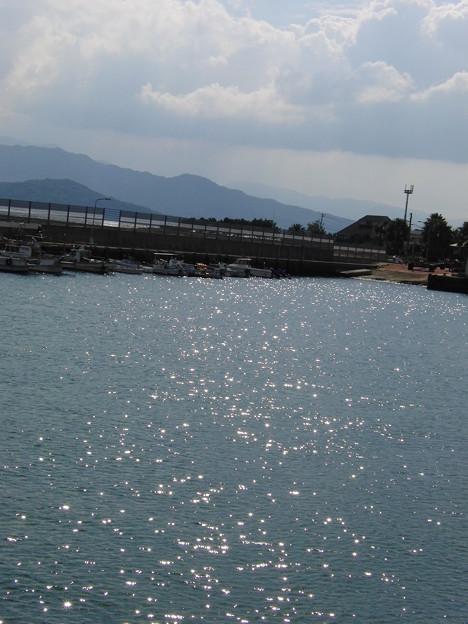 フェリーから見た海面のキラキラ