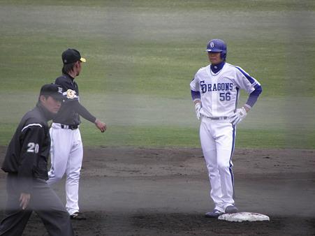 129 松井祐はエラーで出塁しました