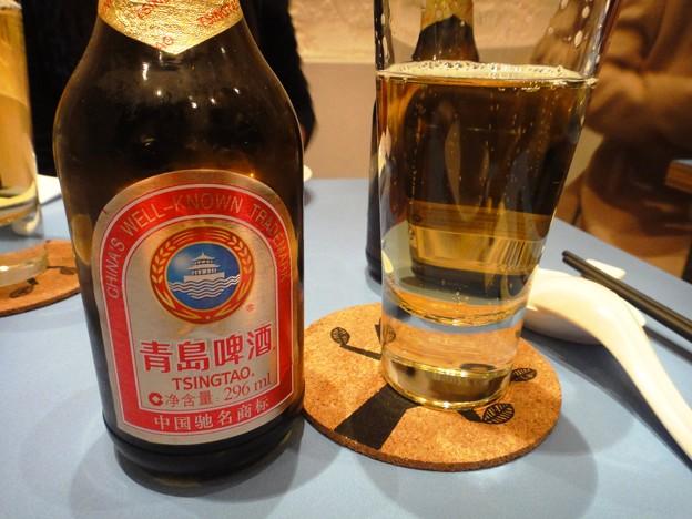 越南料理の青島ビール 25元