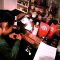 写真: 友達が元町でやっているバリニーズスパ・MAU NATURALなふ。娘がハンドク...