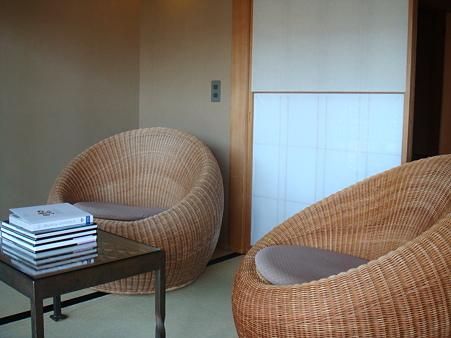 丸い椅子@強羅花壇