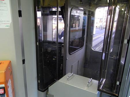 キハ110系運転台(高麗川駅)