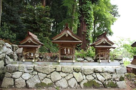 高天彦神社・稲荷社-市杵嶋姫社-御霊社