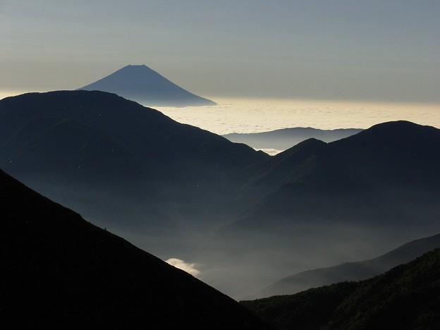 聖岳から見える雄姿富士山