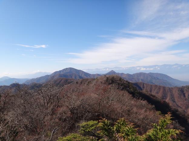 清八山より黒岳の向こうの南アルプス