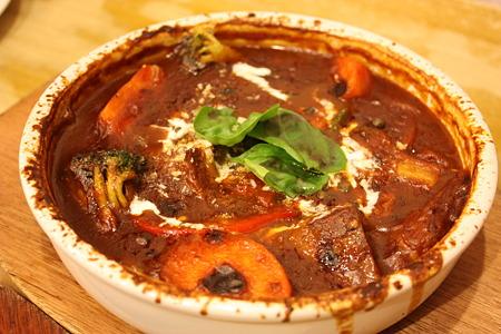 勝田台・ロス・アンジェルス/牛肉のやわらかほほ肉たっぷり野菜のデミソースシチュー