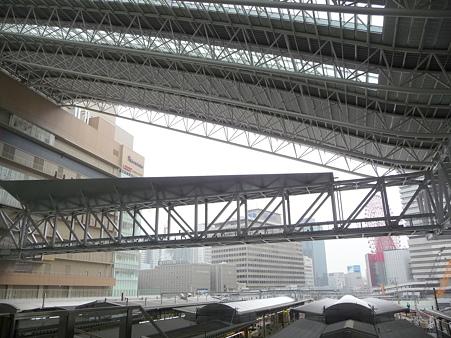 101113-大阪駅 (10)