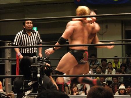 "DDT ""What are you doing 2012"" KO-D無差別級選手権試合 火野裕士vs飯伏幸太 (10)"