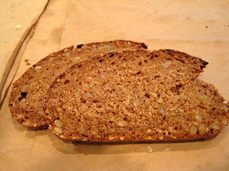 古代小麦のパン。