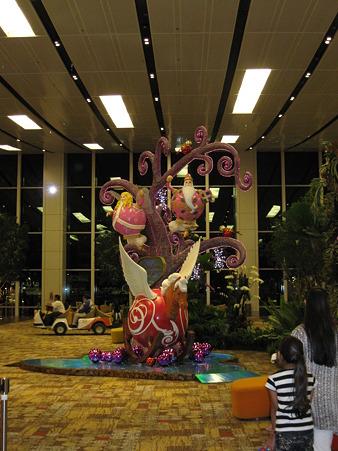 20110101 チャンギ国際空港のモニュメント