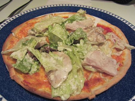 チキンとレタスのピッツァ