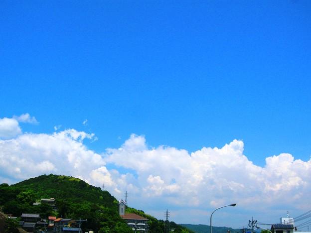 新緑の空に~雷警報発令中~