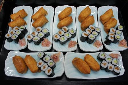 今日は稲荷寿司