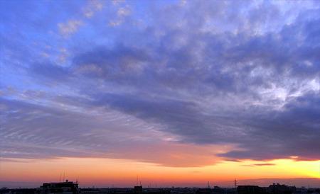 空と雲 青と赤